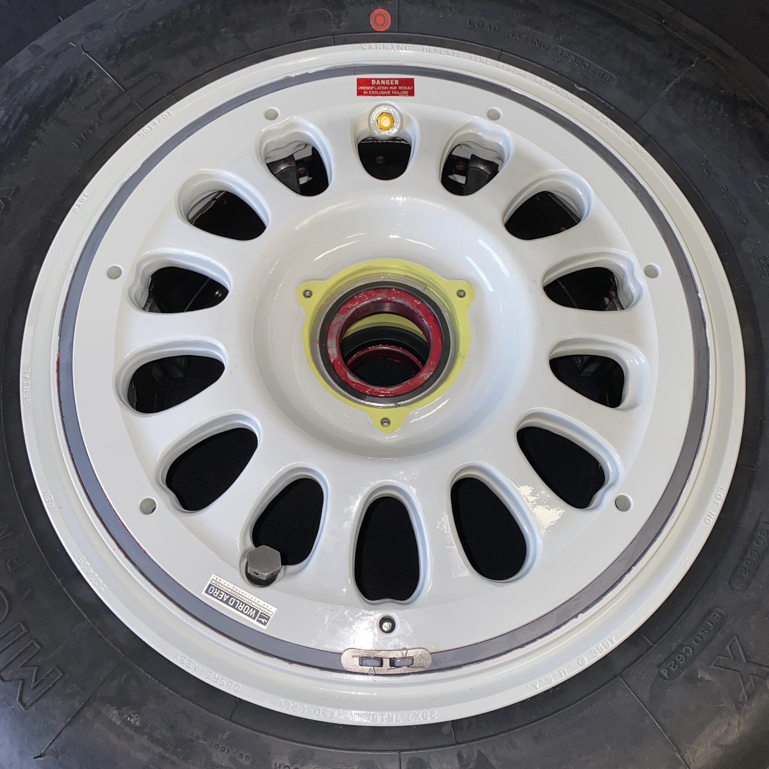 5014197 Falcon 900EX main wheel