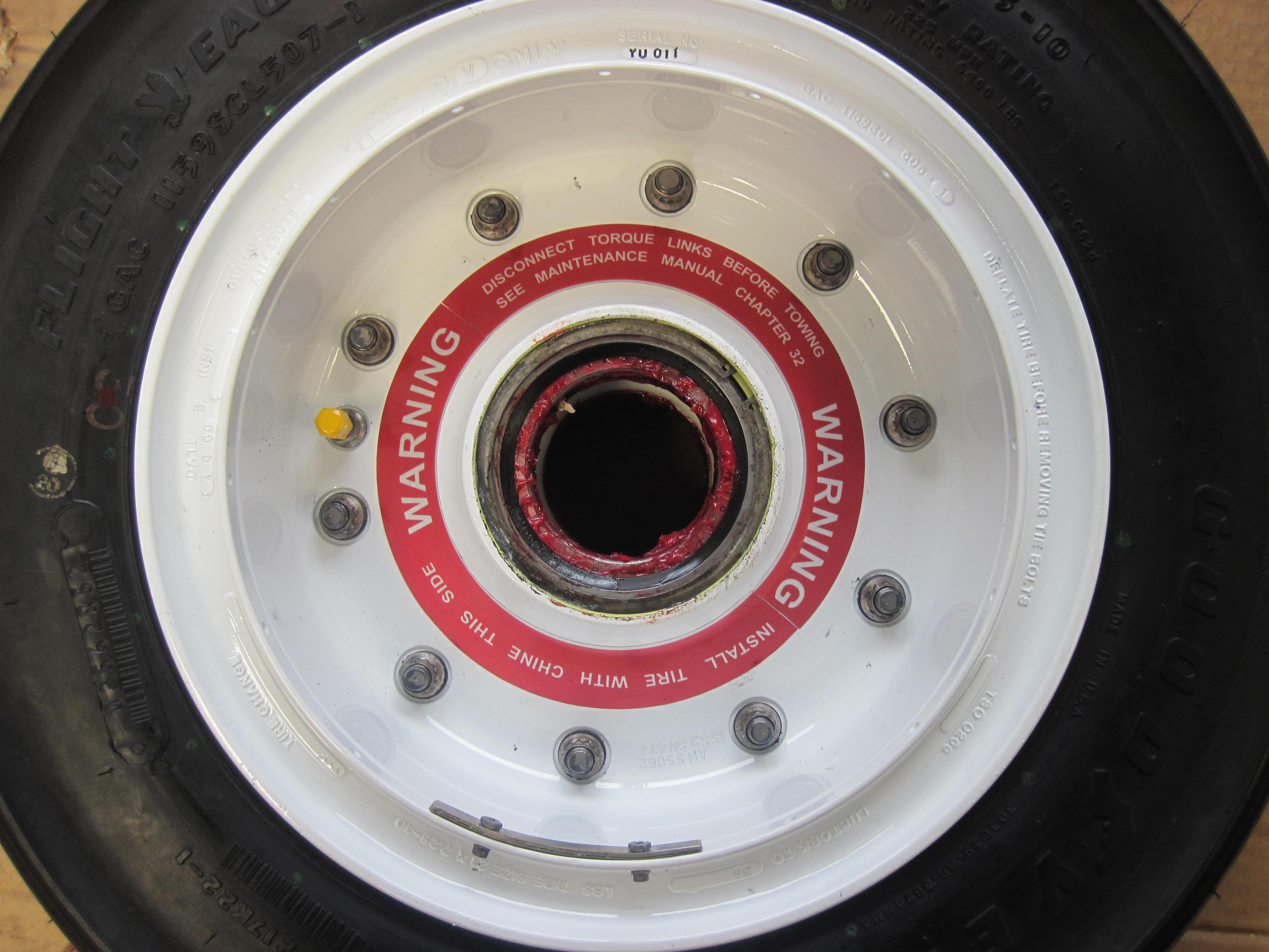 ah55055 Gulfstream G550 wheel
