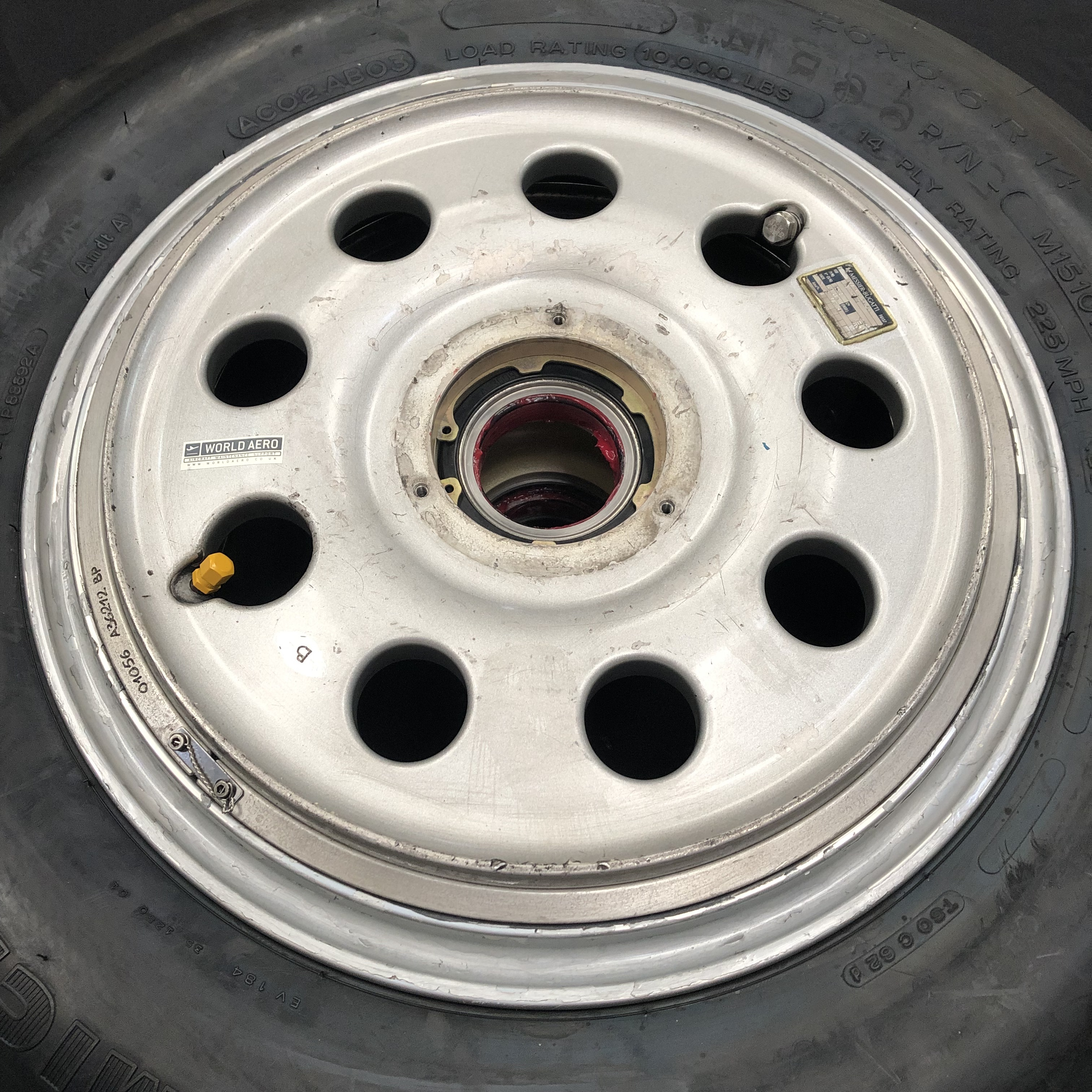 c20545000 Dassault Falcon wheel