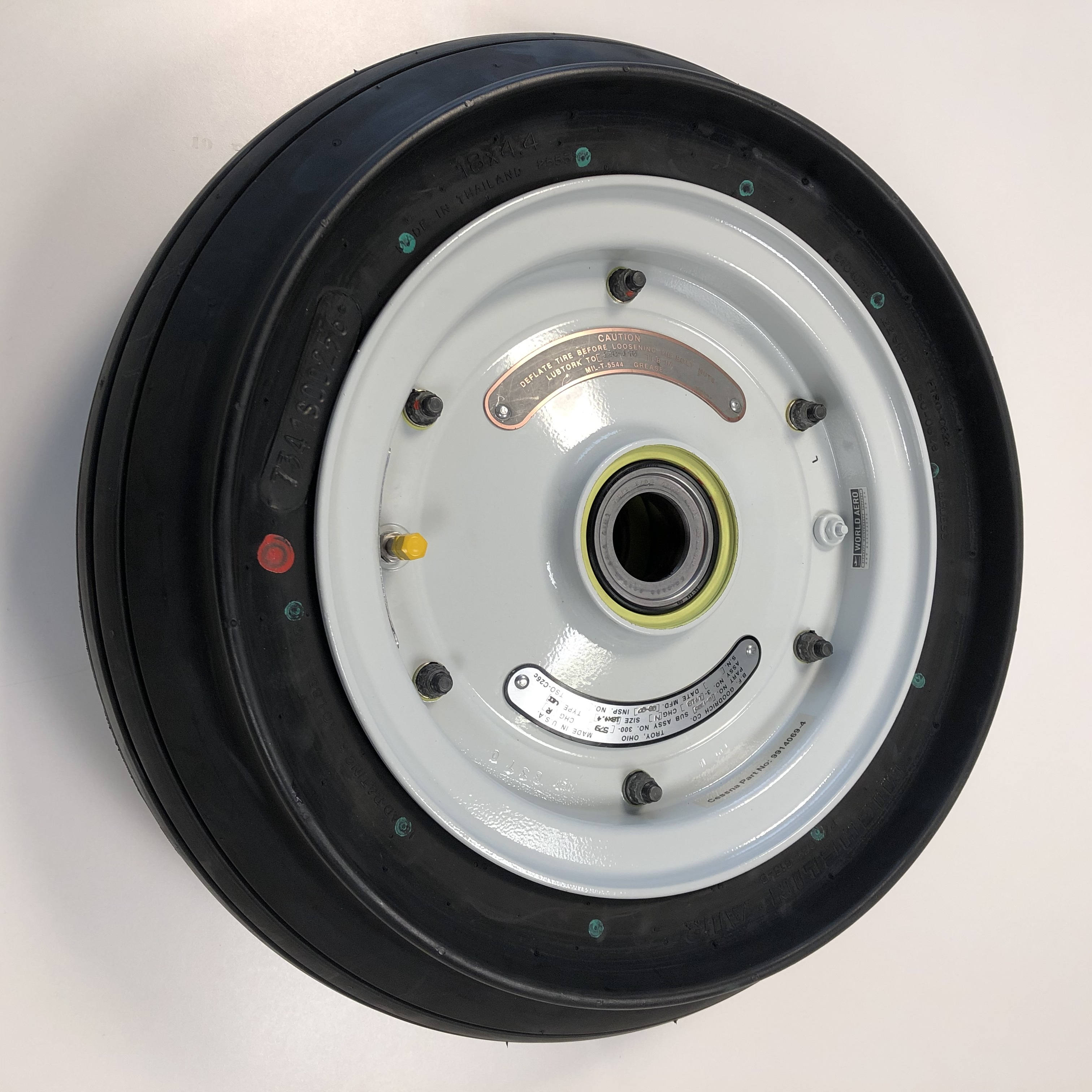 6242050-9 Cessna 560XL nose wheel and tyre tire