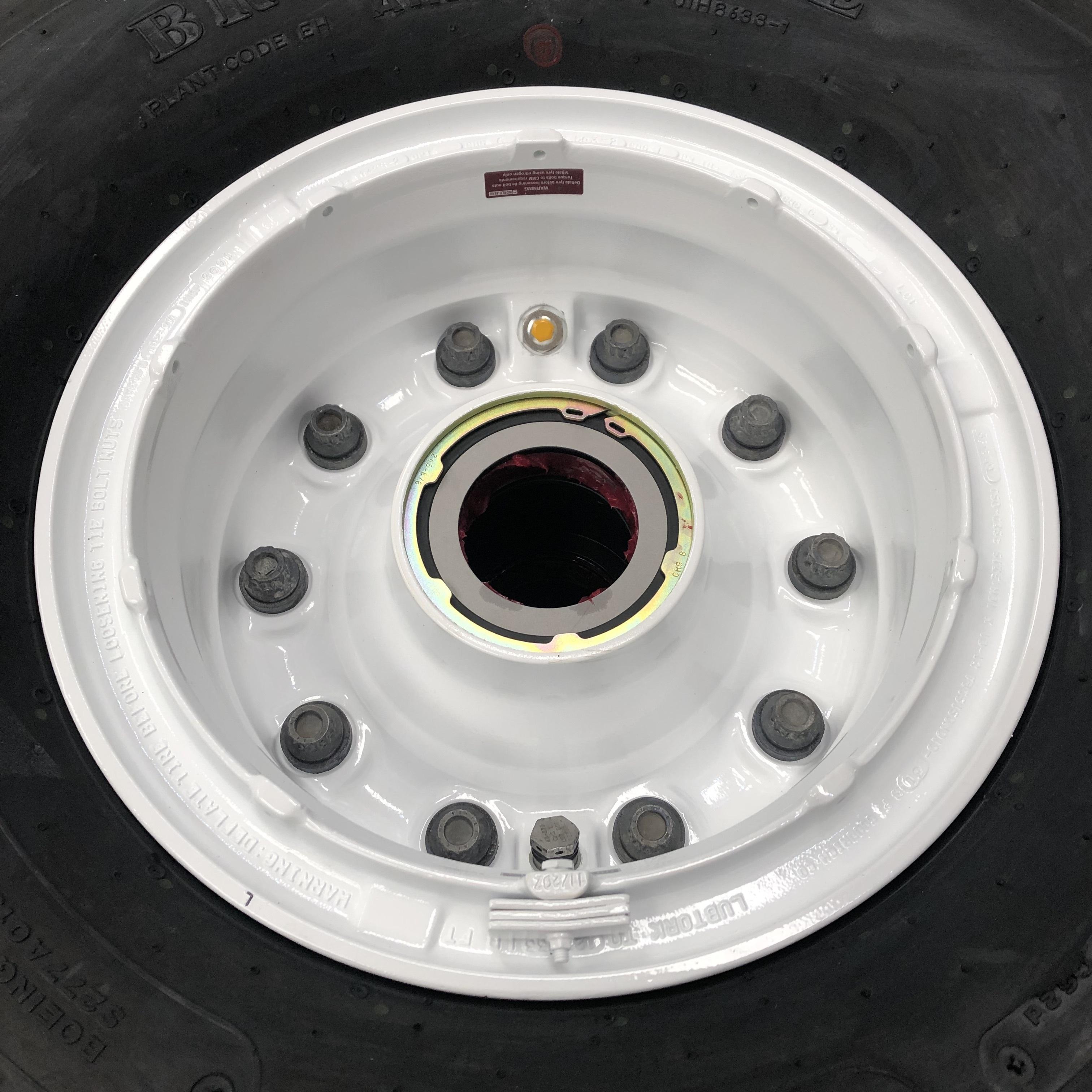 3-1423-2 Boeing 757 nose wheel