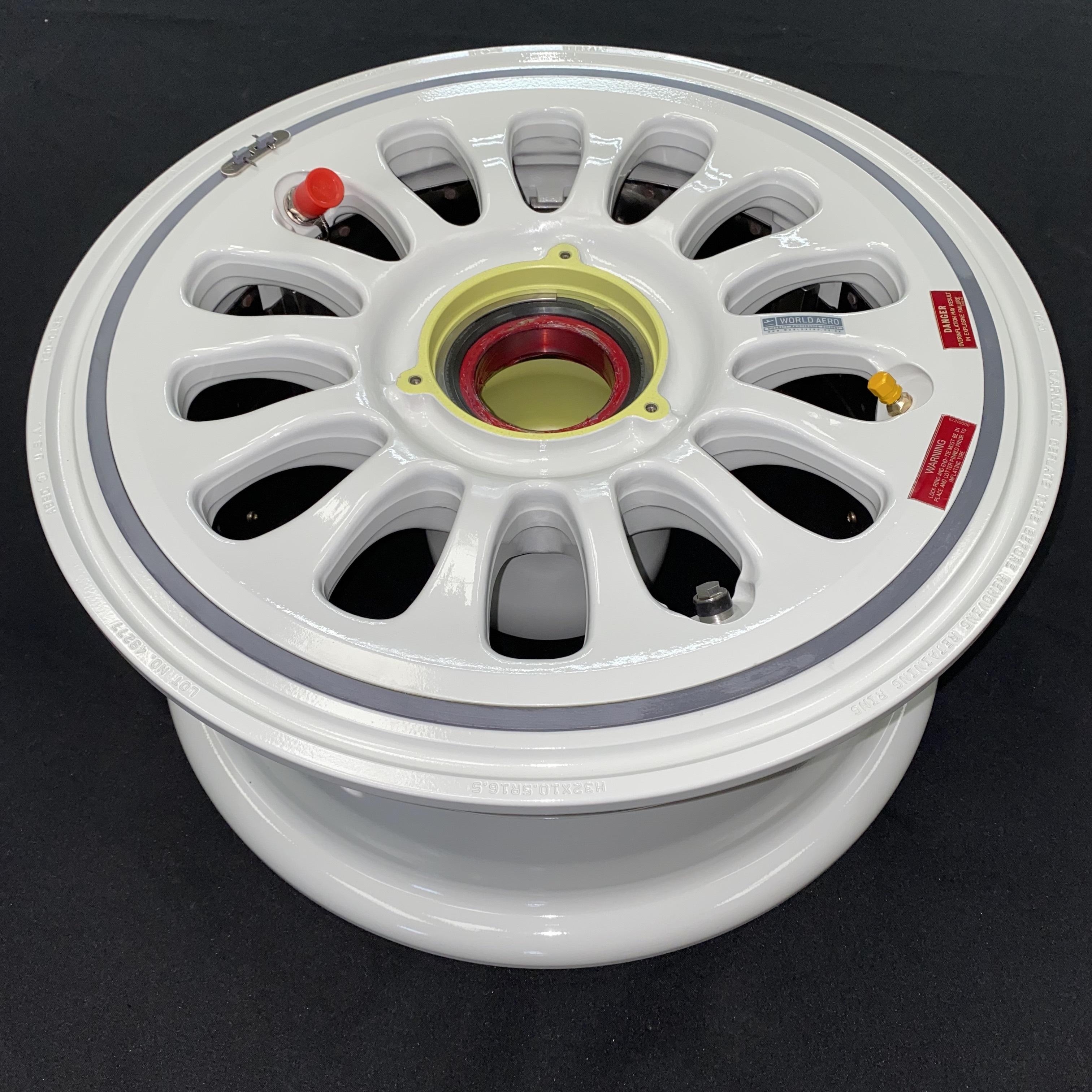 90002745-4PSH Dassault Falcon 7X main wheel