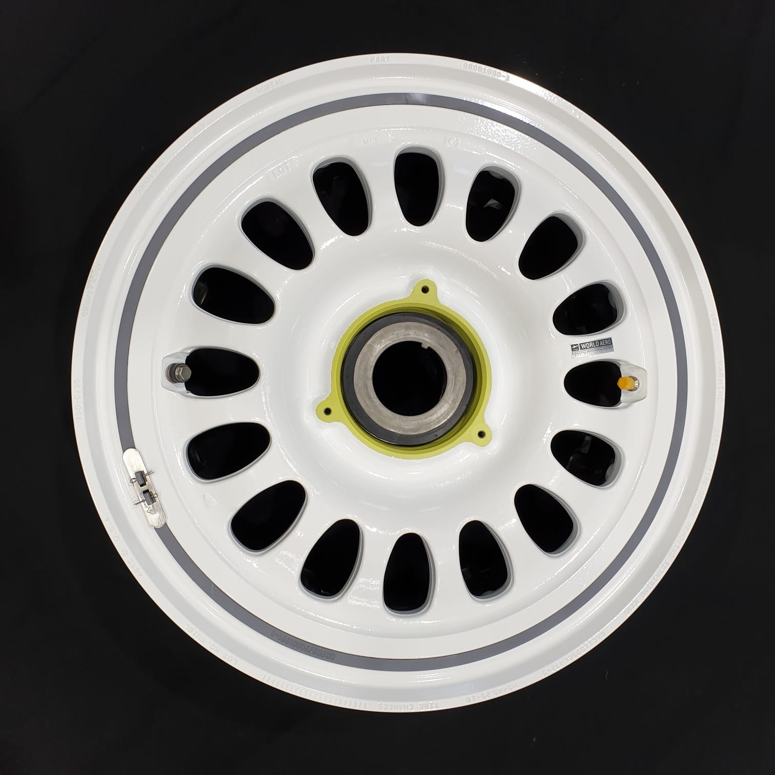90001936 Gulfstream G450 Meggitt main wheel