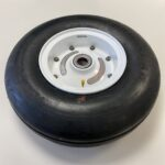 101-8026-0013 Beechcraft King Air 200 nose wheel